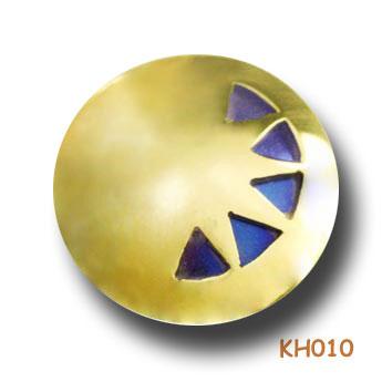 Titanium wiebertjes in een bol van goud. KH010
