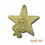 Hanger gouden ster met kindervoetjes.