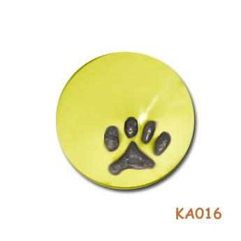 Gouden hanger met kattenpootje gevuld met as KA016